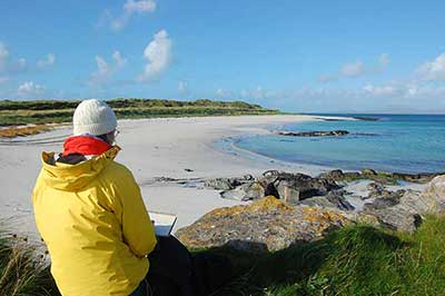 gina_wright_sketching_on_barra