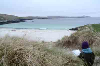 gina_wright_outdoor_sketching_meal_beach_burra_shetland